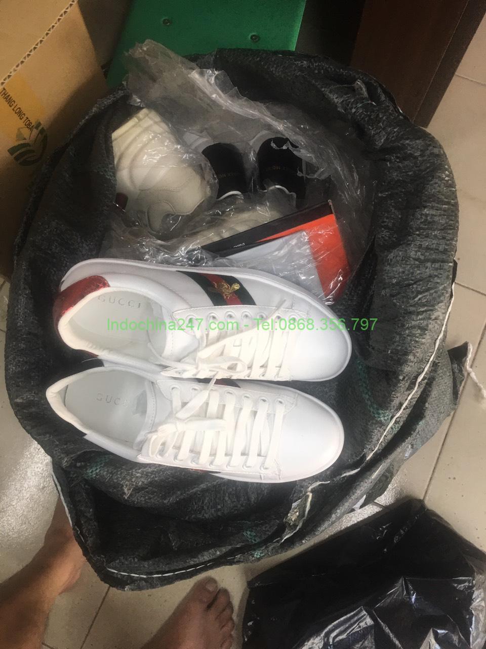 Dịch vụ vận chuyển xách tay hàng quần áo giày fake đi Nhật chuyên nghiệp