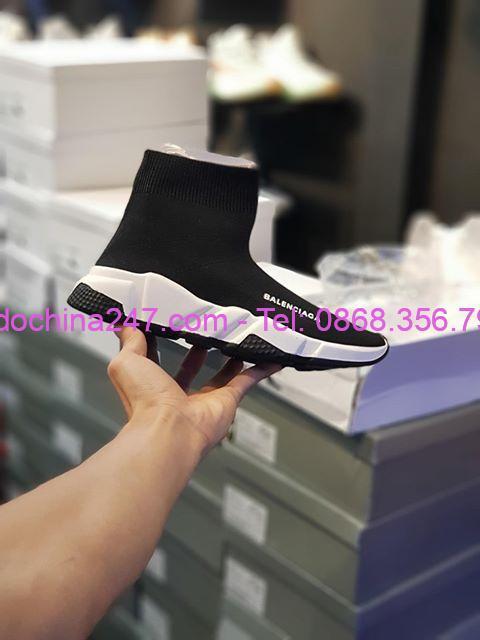 Chuyển phát nhanh hàng xách tay quần áo giày dép từ Việt Nam sang Nhật