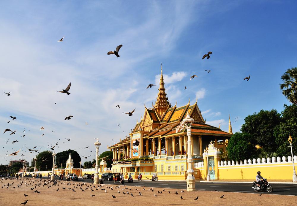 Dich vu van chuyen duong bo tu Binh Phuoc di Kampong Cham gia re