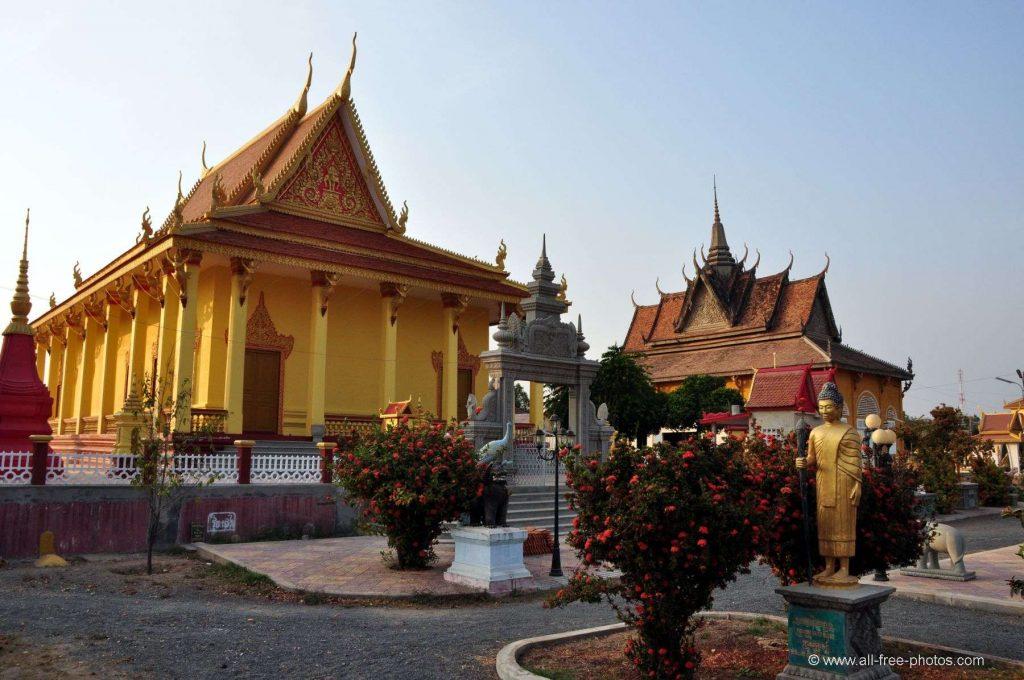 Dich vu van chuyen duong bo tu Tien Giang di Kampong Cham gia re