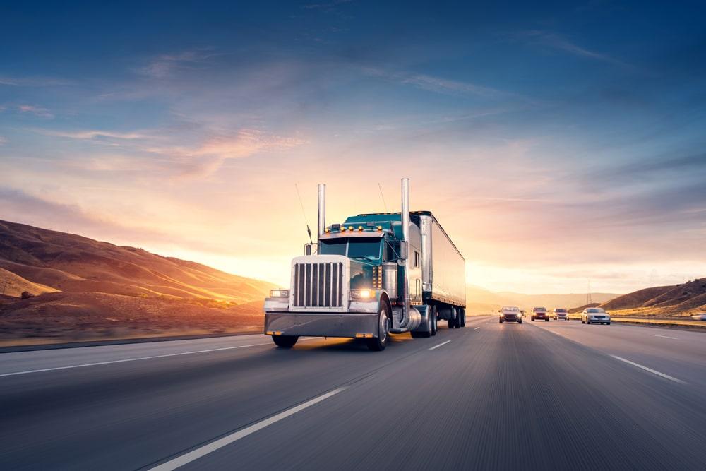 Dịch vụ vận chuyển xe tải giá ưu đãi từ Bình Định đến Kampong Speu.