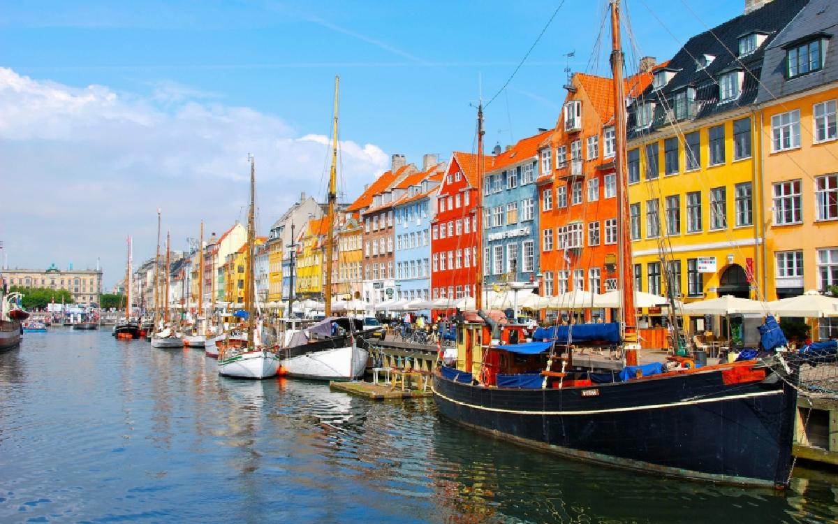 Chuyển phát nhanh đi Italia, Đức, Đan Mạch giá rẻ