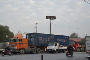 van chuyen hang hoa di Lao cua Indochina247