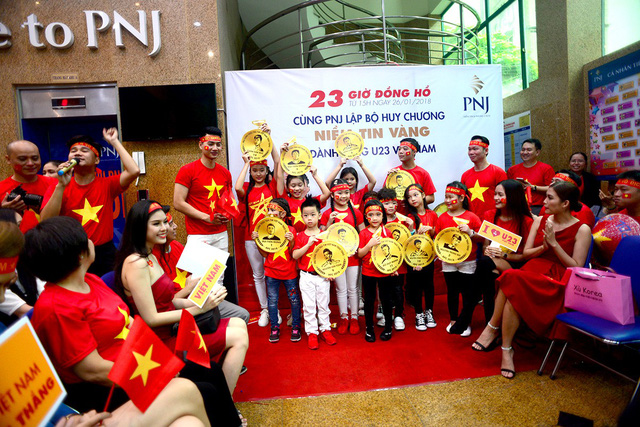 Doanh nghiệp Việt tung bộ 31 huy chương bằng vàng cho U23 Việt Nam