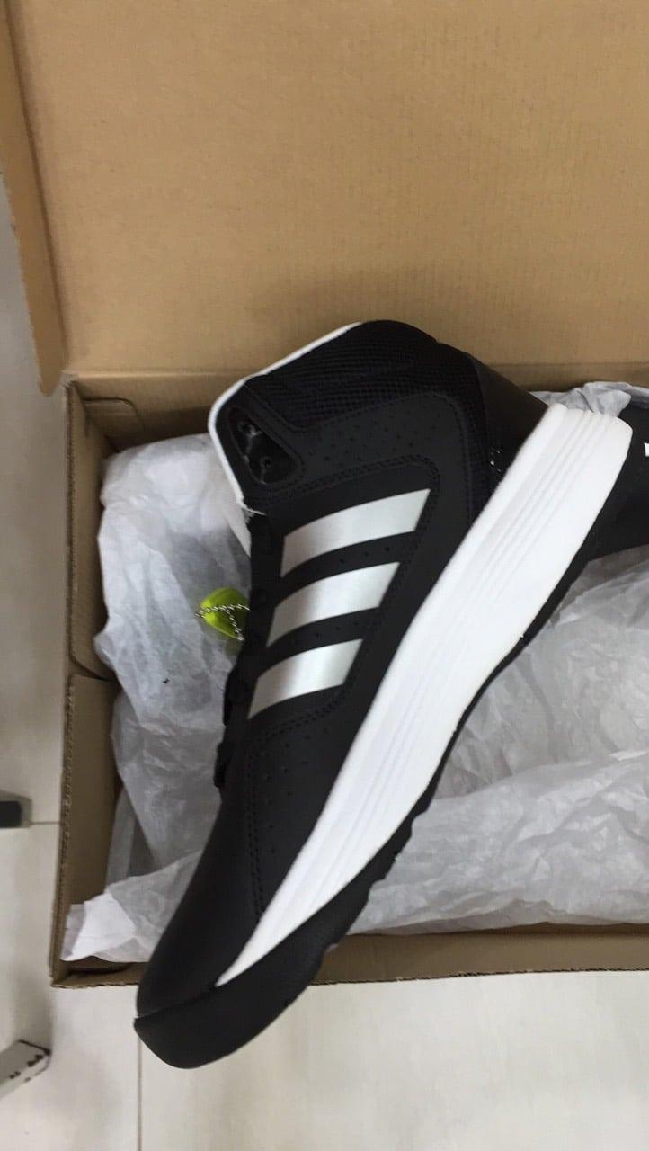 Vận chuyển hàng giày adidas chính hãng từ Amzon