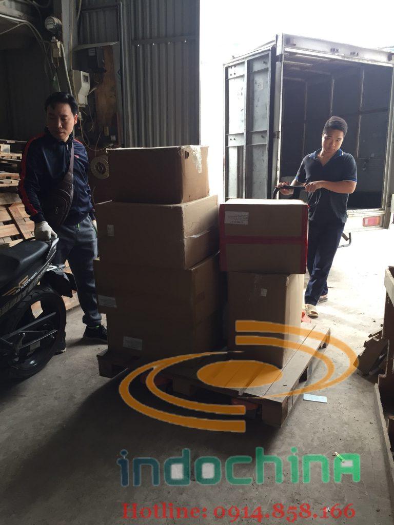 Dịch vụ vận chuyển đường bộ từ Hà Nội sang Lào giá rẻ, an toàn