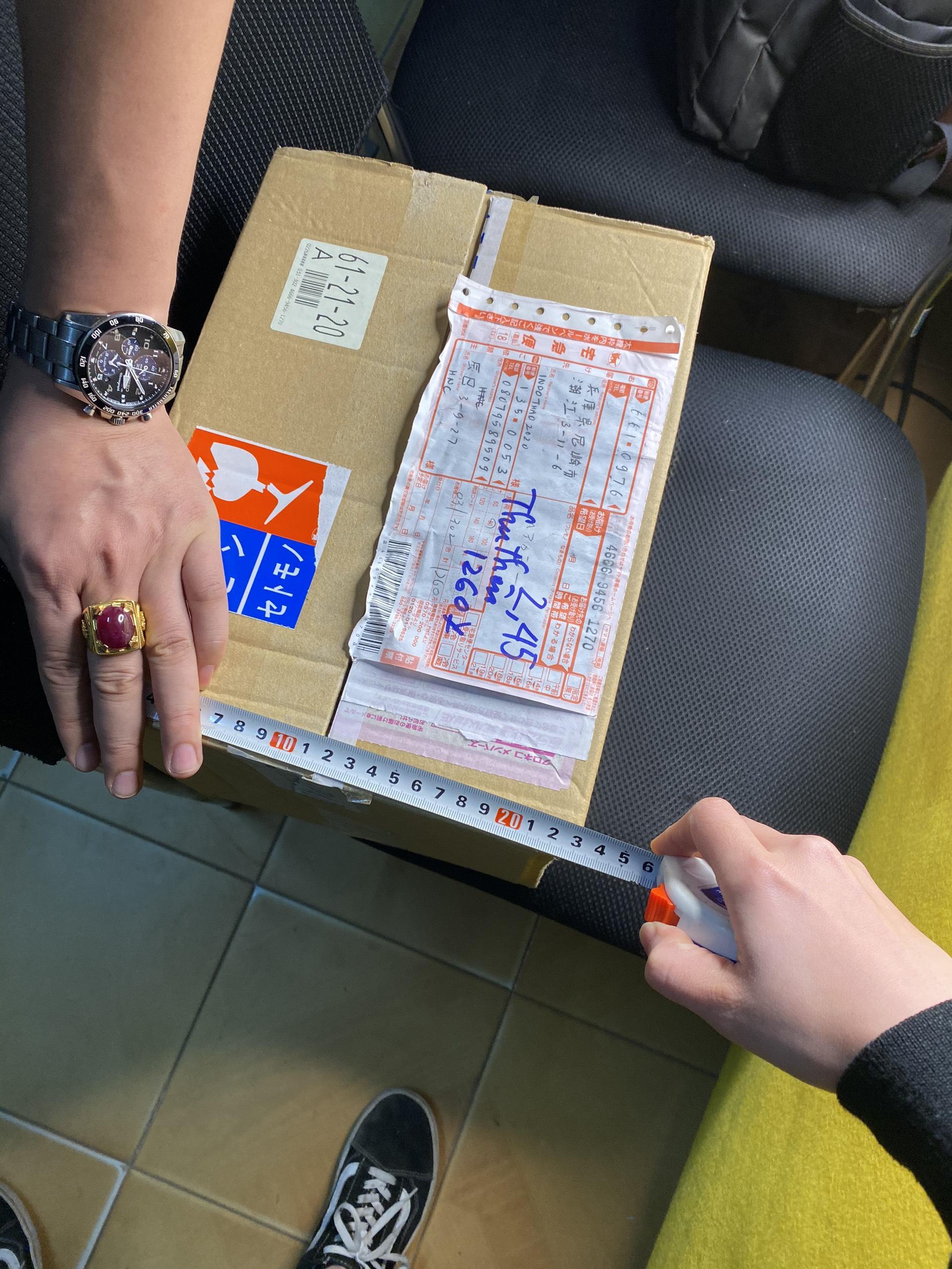 Dịch vụ xách tay chuyển phát nhanh quần áo từ Tây Ban Nha về Việt Nam