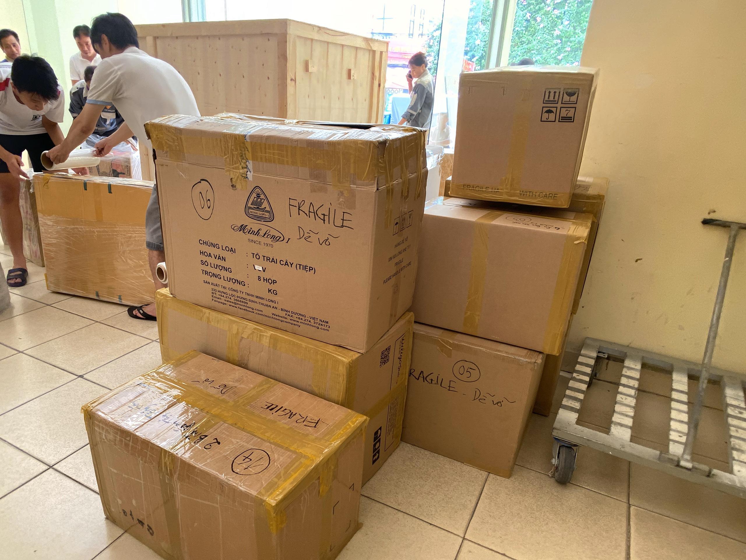 Dịch vụ vận chuyển đường biển đồ gốm sứ đi Dubai từ Việt Nam