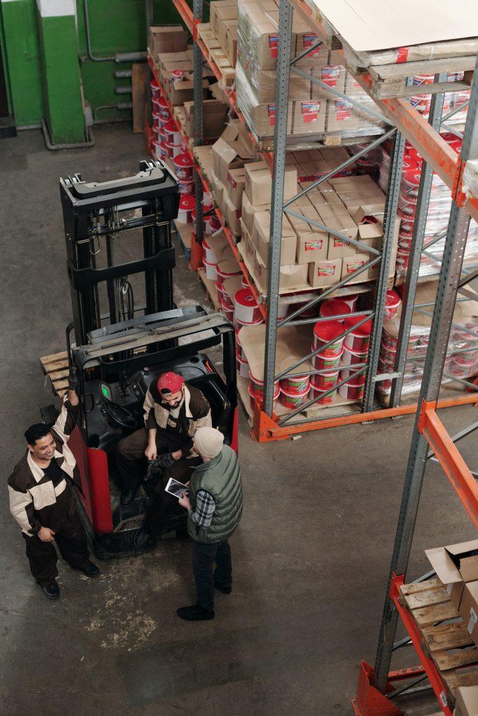 Dịch vụ vận chuyển hàng từ Anh và Đức